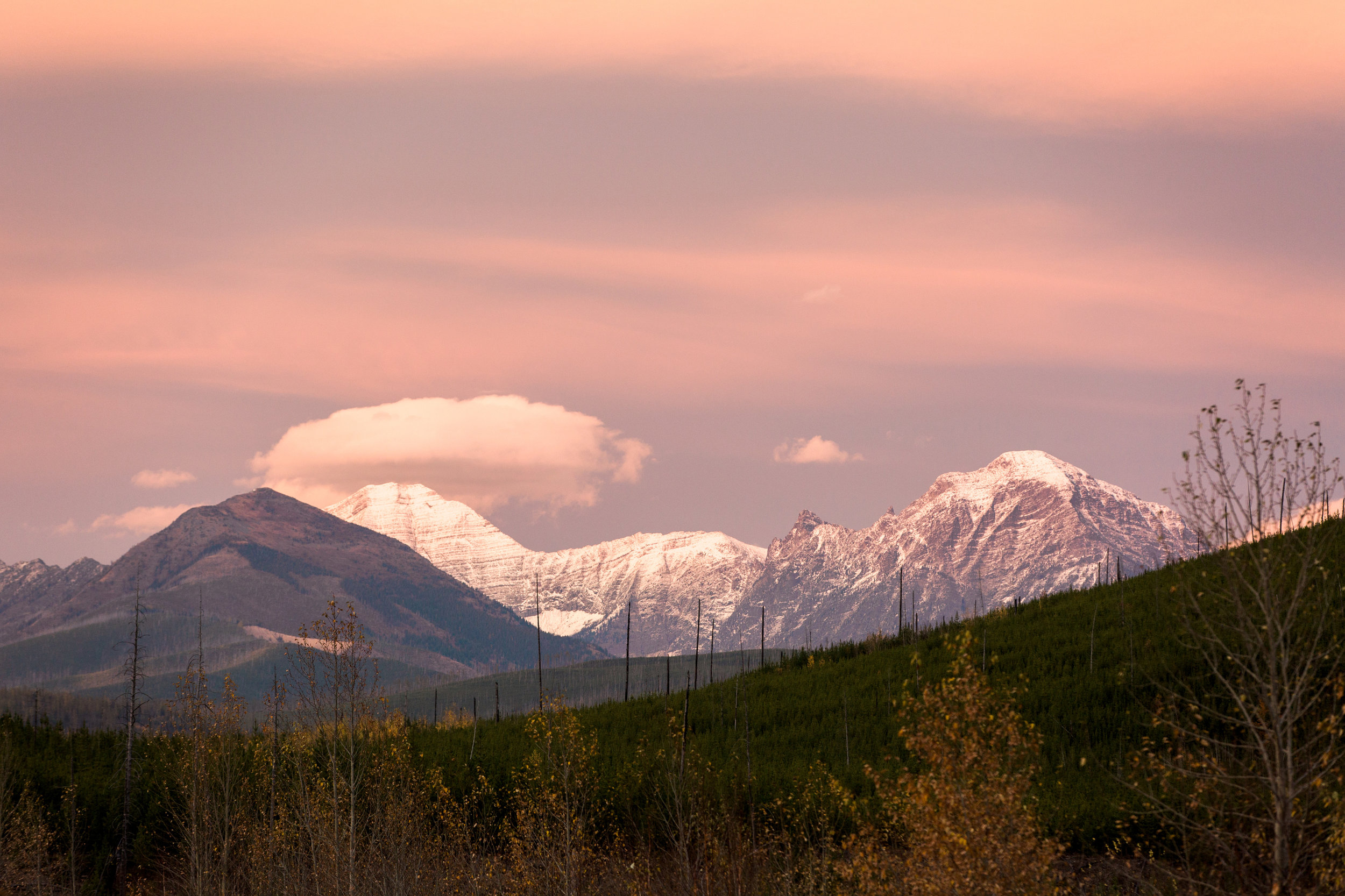 CindyGiovagnoli_Glacier_National_Park_Montana_mountains_lake_fall_autumn_road_trip-019.jpg