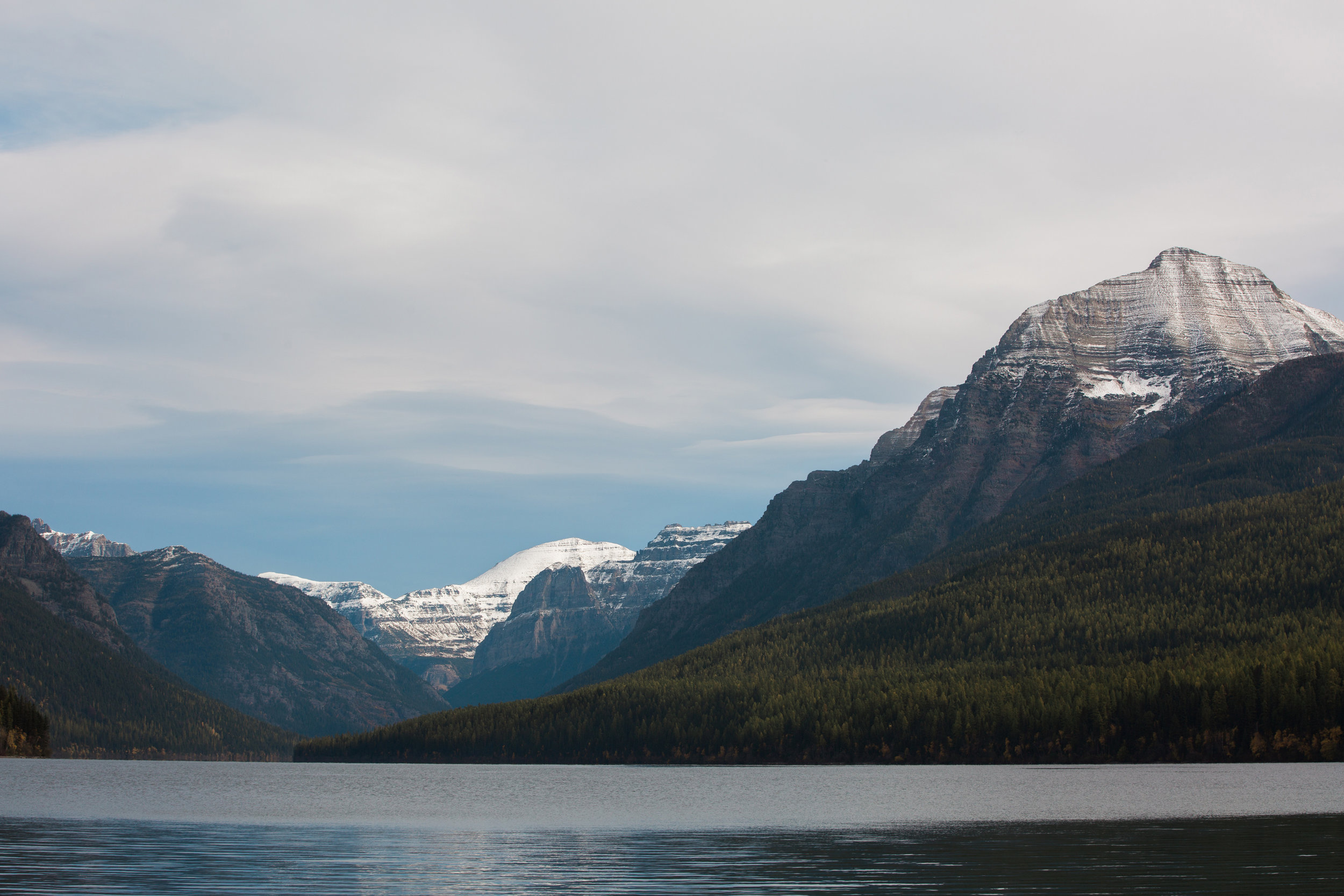 CindyGiovagnoli_Glacier_National_Park_Montana_mountains_lake_fall_autumn_road_trip-025.jpg