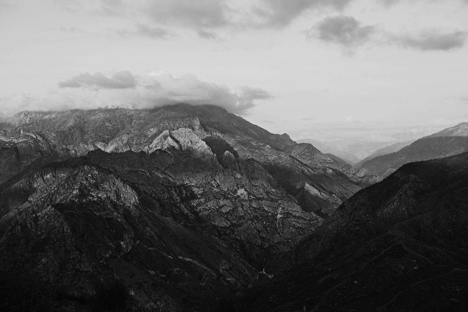CindyGiovagnoli_Kings_Canyon_National_Park_hike_firetower_lookout_sunset-018.jpg