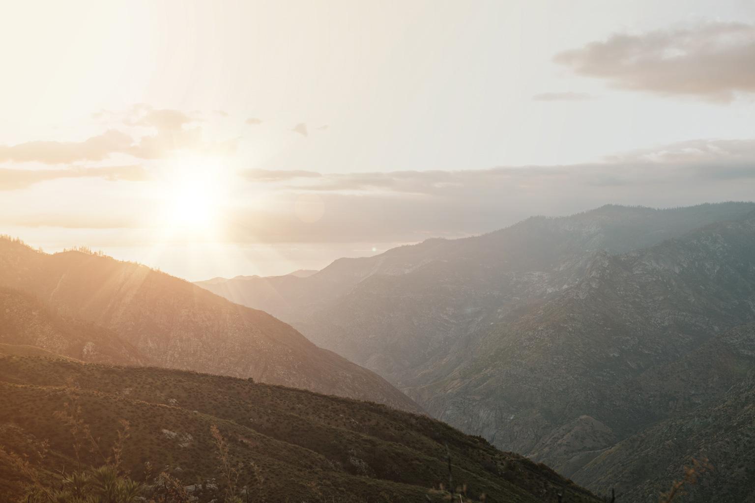 CindyGiovagnoli_Kings_Canyon_National_Park_hike_firetower_lookout_sunset-019.jpg