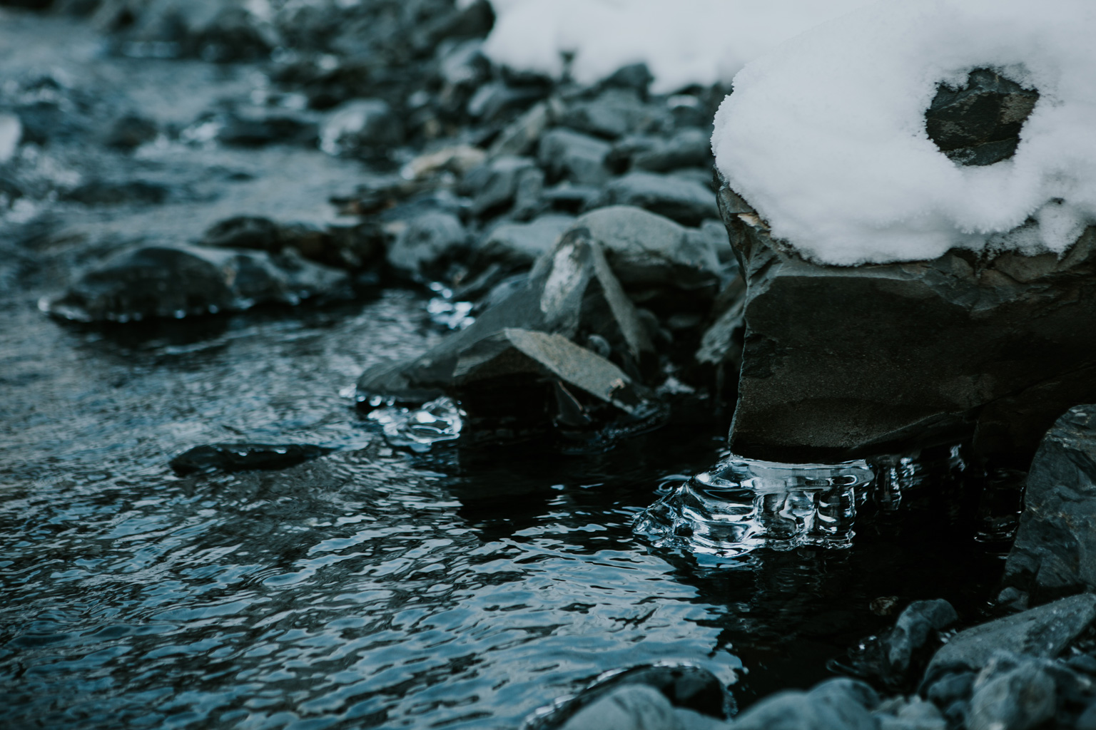 CindyGiovagnoli_hiking_glacier_Anchorage_snow_winter_ByronGlacier_Alaska-012.jpg
