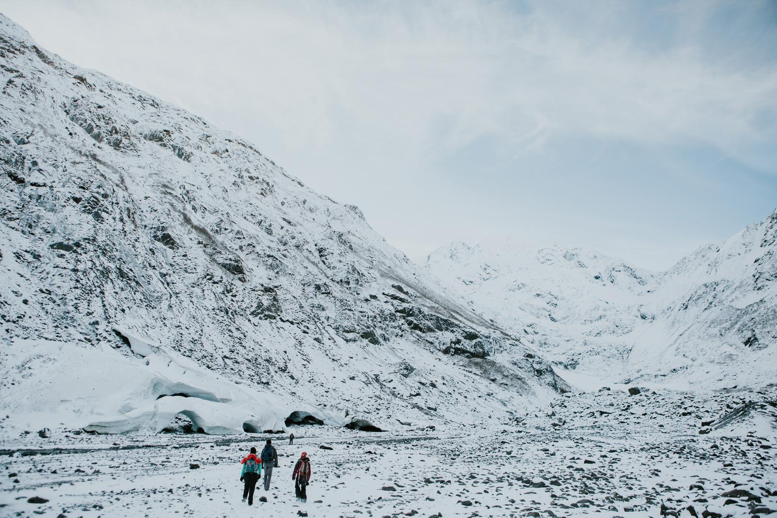 CindyGiovagnoli_hiking_glacier_Anchorage_snow_winter_ByronGlacier_Alaska-013.jpg