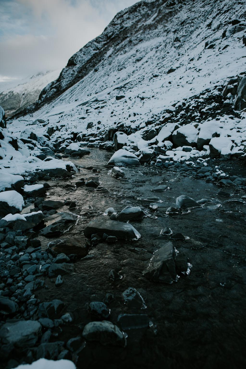 CindyGiovagnoli_hiking_glacier_Anchorage_snow_winter_ByronGlacier_Alaska-022.jpg