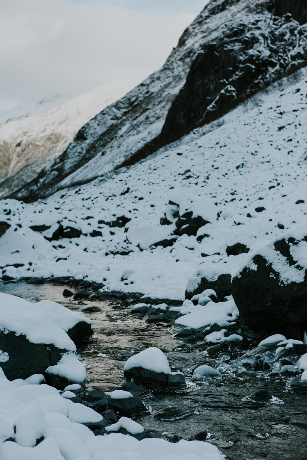 CindyGiovagnoli_hiking_glacier_Anchorage_snow_winter_ByronGlacier_Alaska-019.jpg