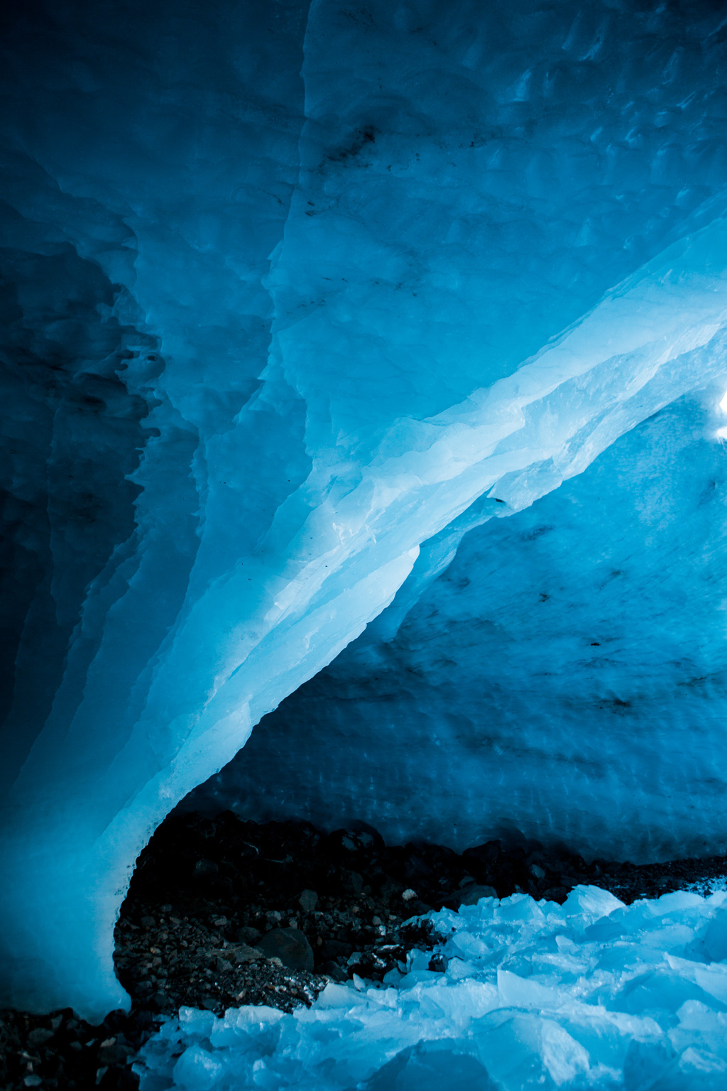 CindyGiovagnoli_hiking_glacier_Anchorage_snow_winter_ByronGlacier_Alaska-037.jpg