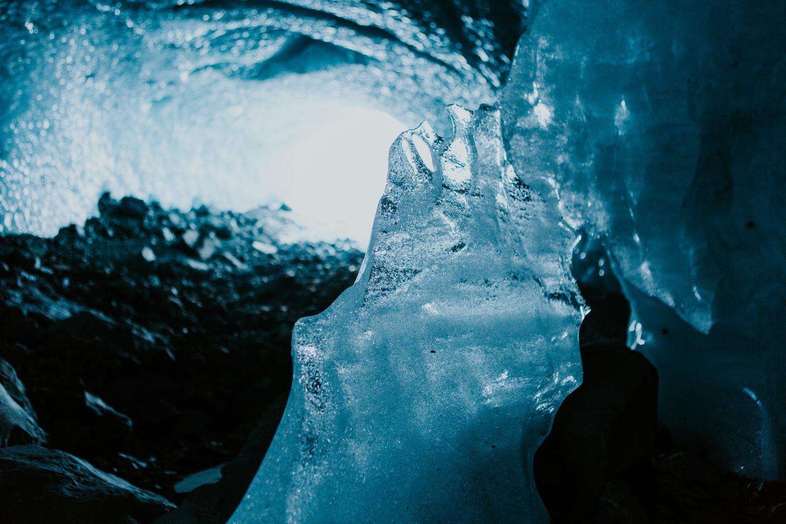 CindyGiovagnoli_hiking_glacier_Anchorage_snow_winter_ByronGlacier_Alaska-043.jpg