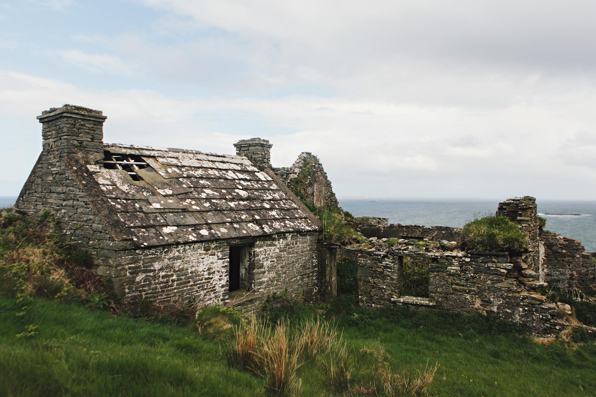 CindyGiovagnoli_Ireland_CliffsOfMoher_CountyClare-001.jpg