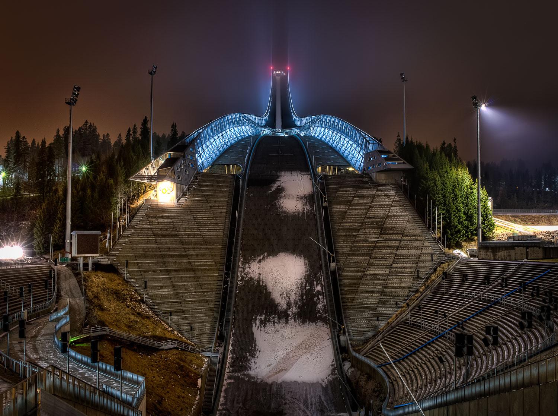 Holmenkollen ski jump stadum.jpg
