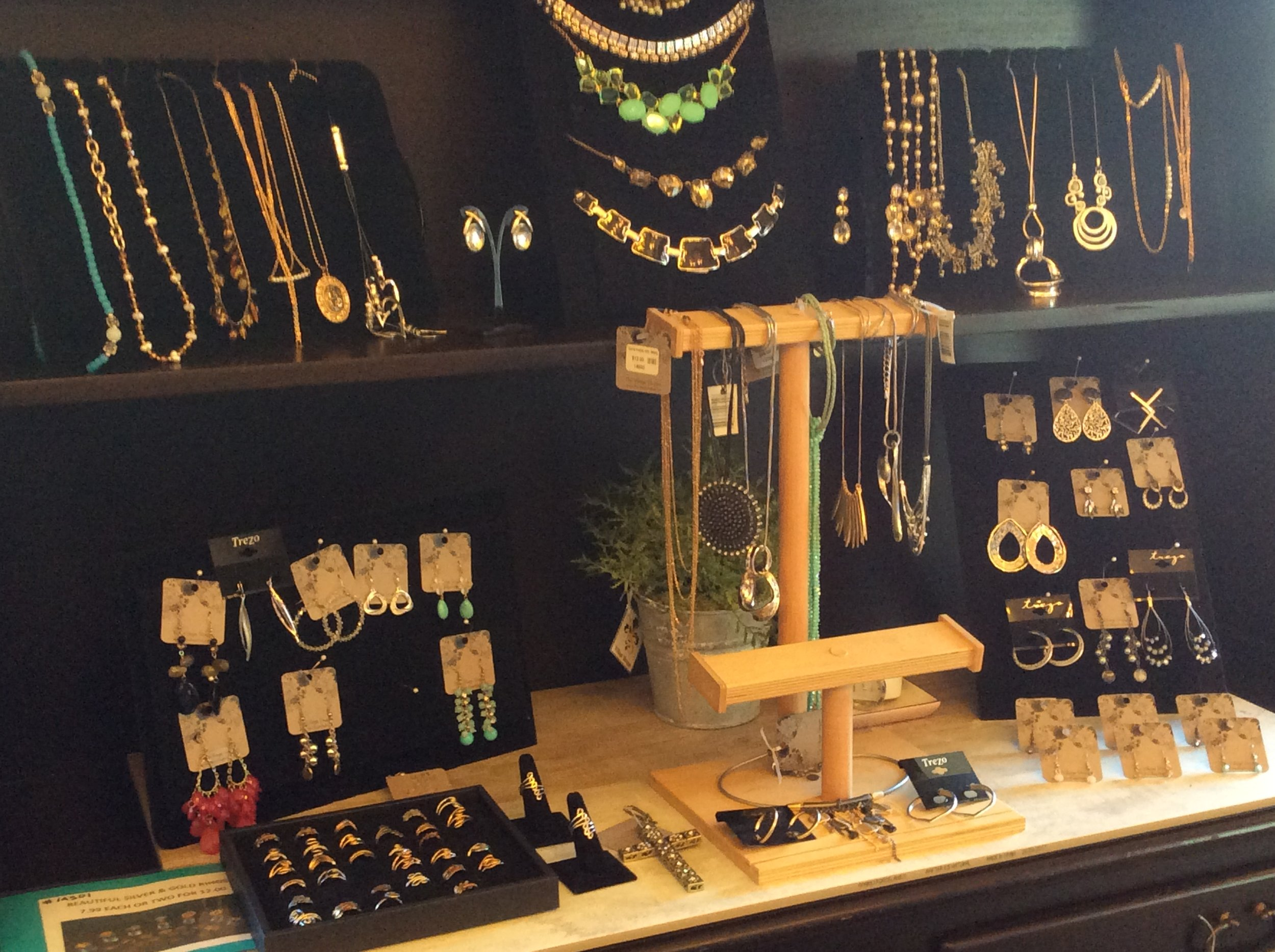 jewerly boutique.JPG