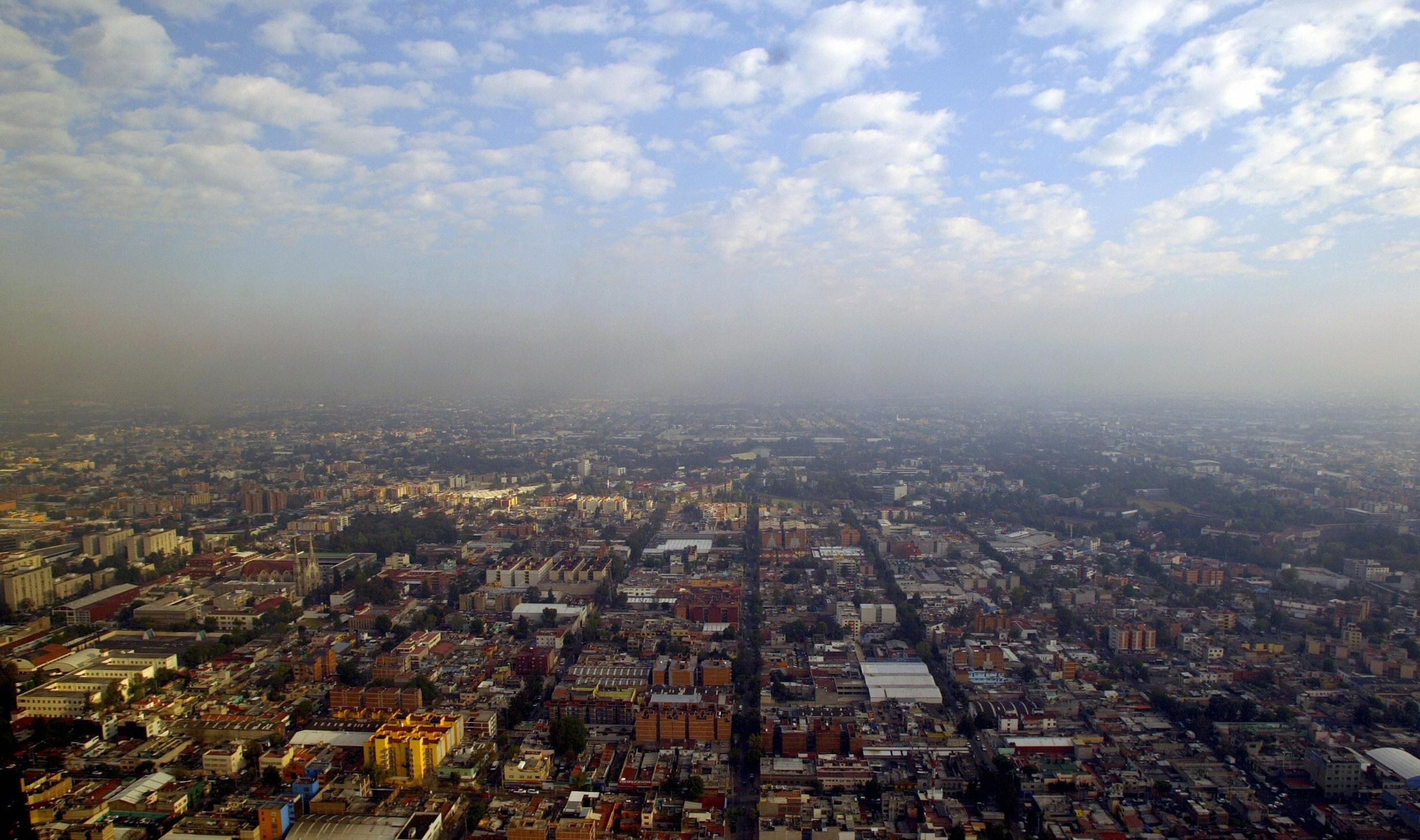 La contaminación del aire en CDMX causada en parte por millones de automovilistas