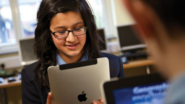 Apple-Scores-Massive-30M-22-3M-iPad-Deal-with-LA-Unified-School-District.jpg