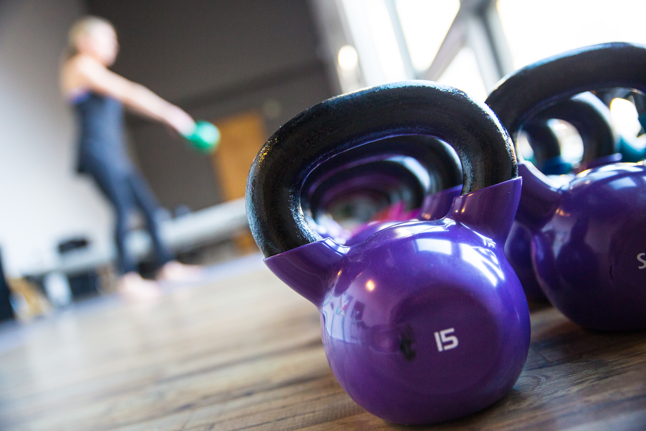 KETTLEBELL CLASS    PREPARE YOURSELF TO BE CHALLENGED AND GET SWEATY IN THIS 30 MINUTE CLASS. DON'T LET THE KETTLEBELLS INTIMIDATE YOU, WE HAVE A WIDE RANGE OF WEIGHTS FOR ALL LEVELS.