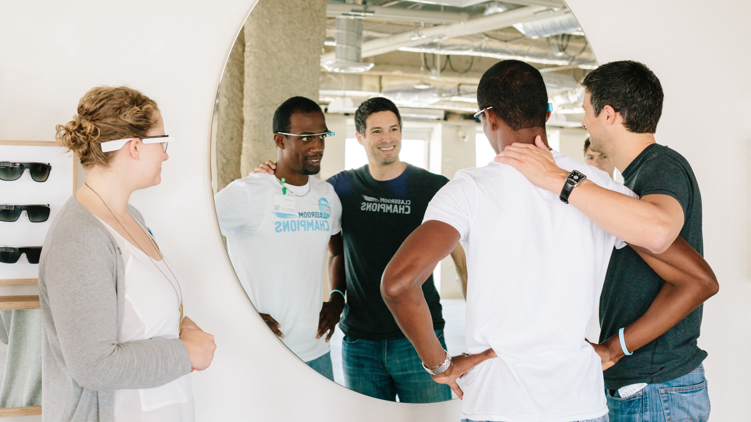 In July 2014, Google.org and Glass co-hosted Glass training sessions for the Giving Through Glass nonprofit recipients.