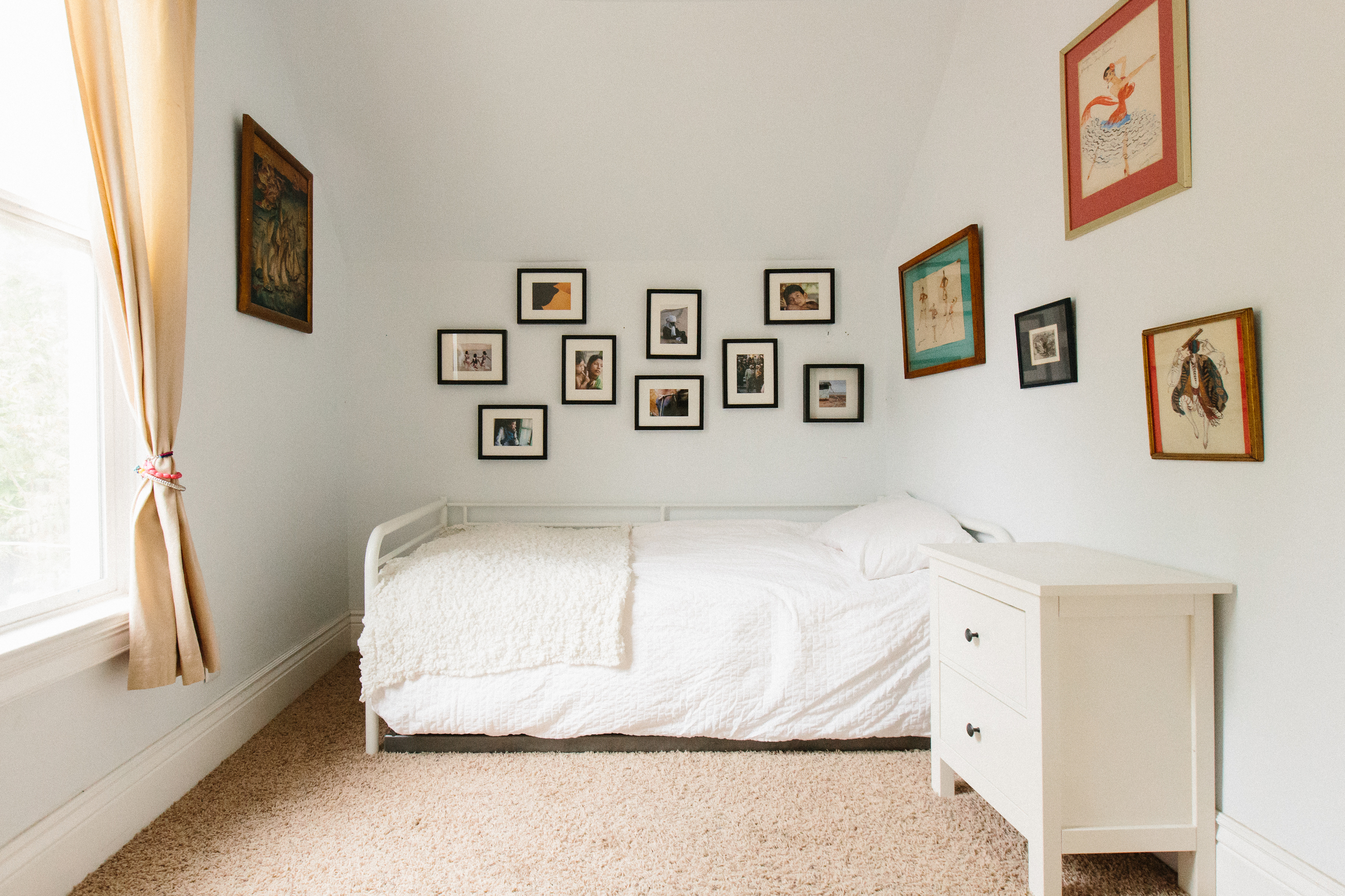 Last but not least, the third bedroom includes a twin bed with a pull-out trundle.