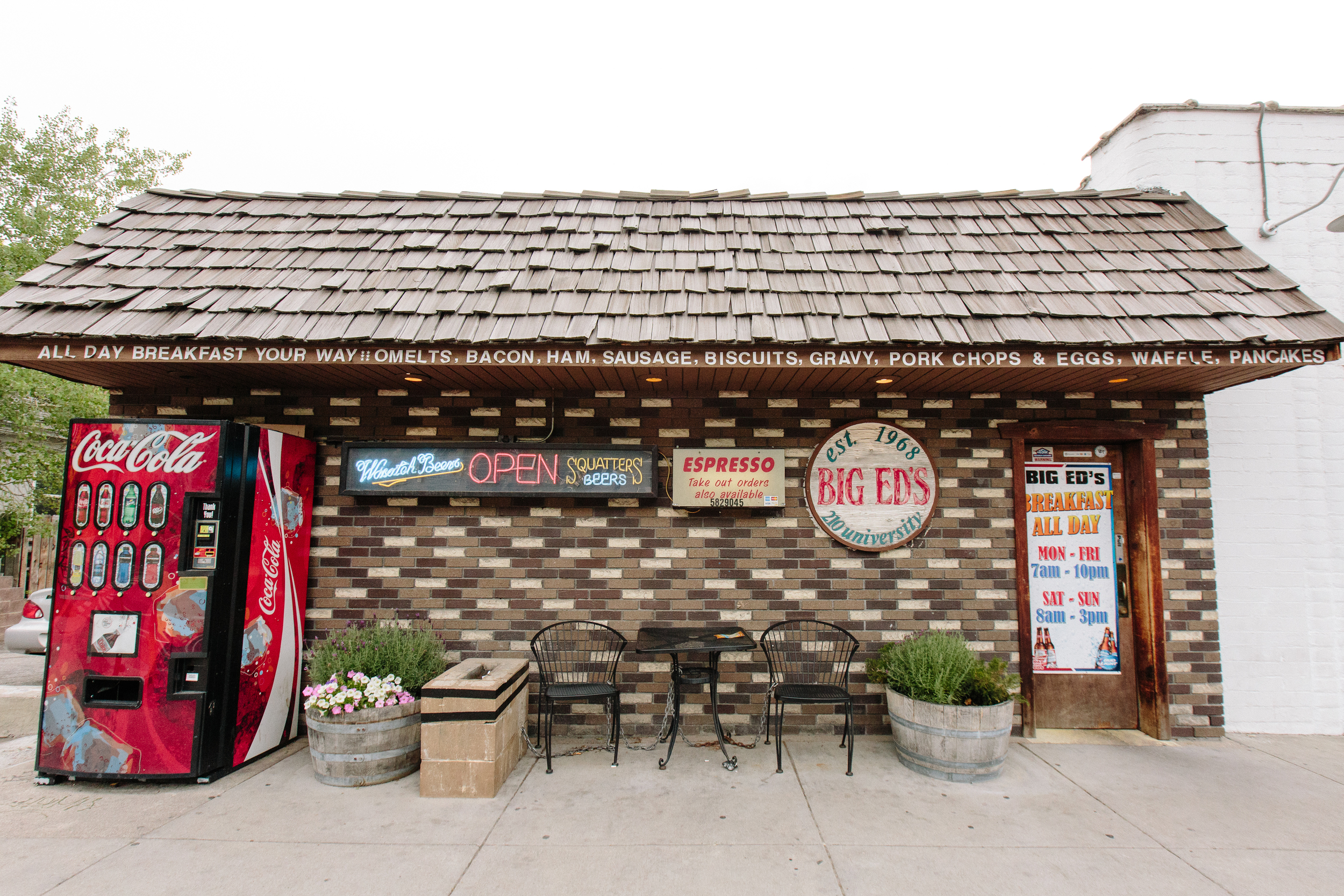 For diner breakfasts or Friday night old-time music, head up the hill to Big Ed's, another neighborhood classic.