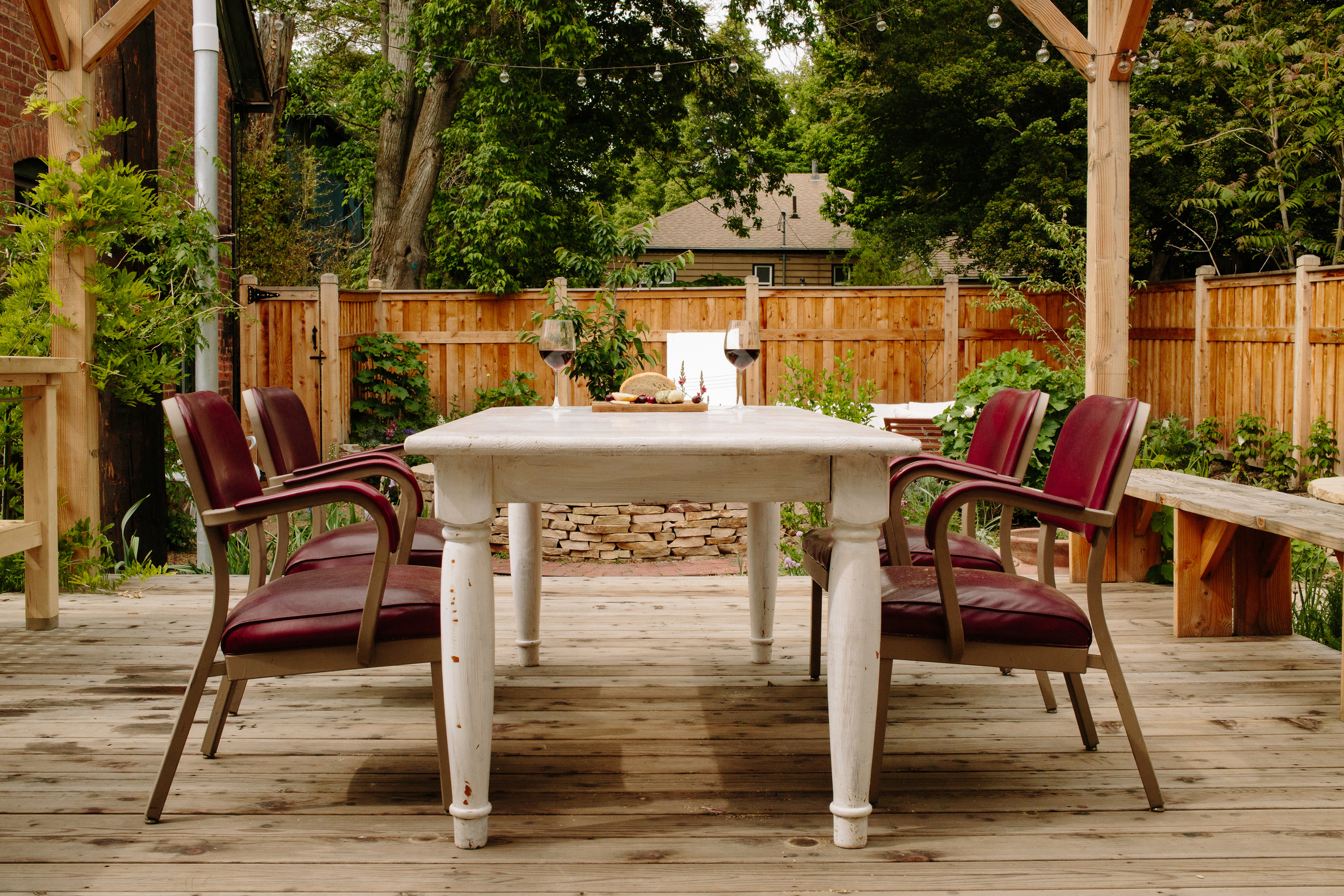 Summer evenings in SLC are warm, perfect for dining outdoors.