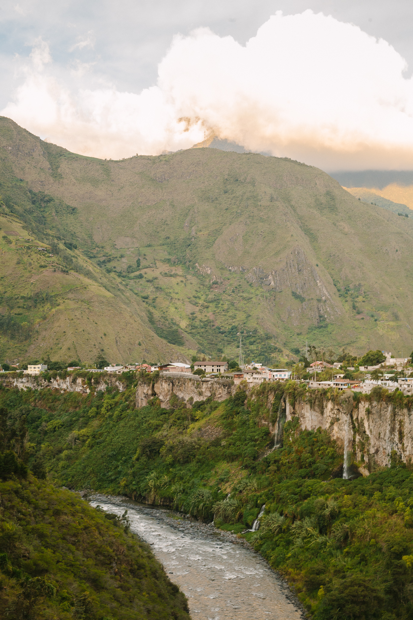 Ecuador2011_Mountains&Sea_Web_jenniferleahy-008.jpg