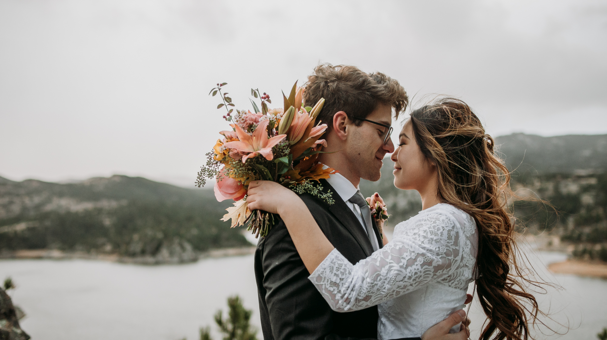 wild_earth_weddings_colorado_elopement_photographer_dogs_rocky_mountains-29.jpg