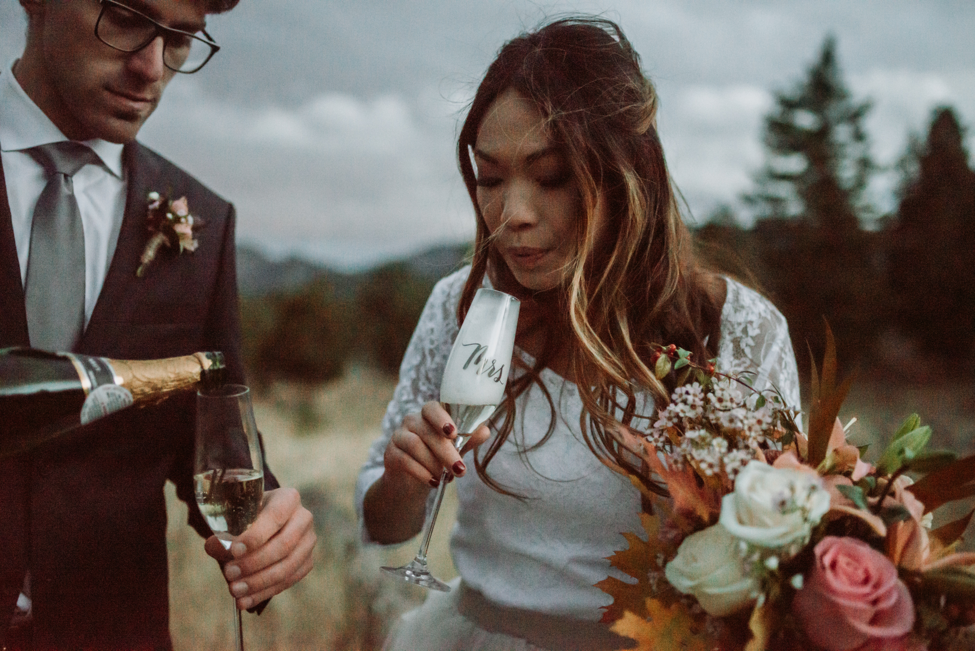 wild_earth_weddings_colorado_elopement_photographer_dogs_rocky_mountains-52.jpg