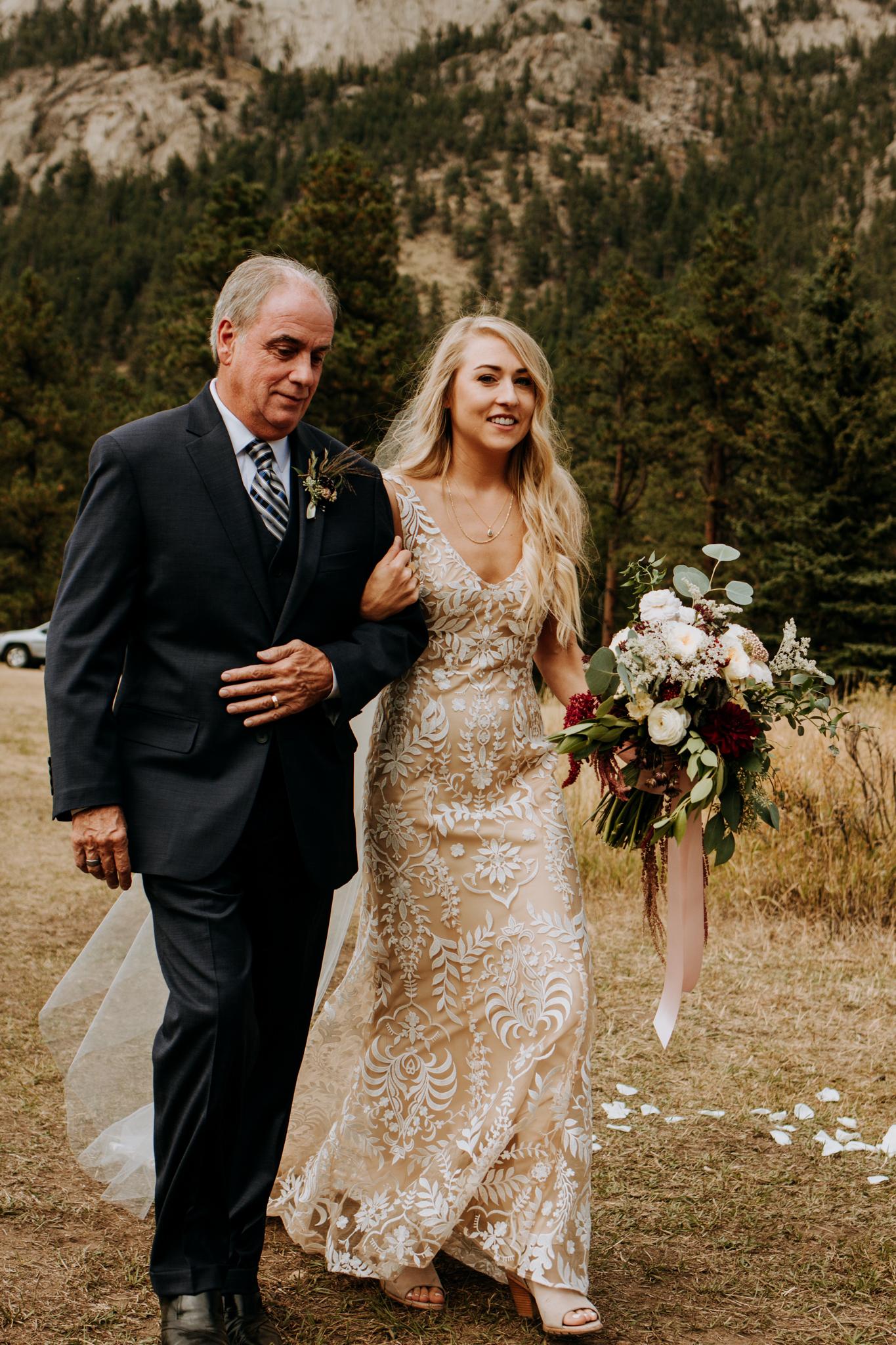 Gorgeous boho Colorado bride.