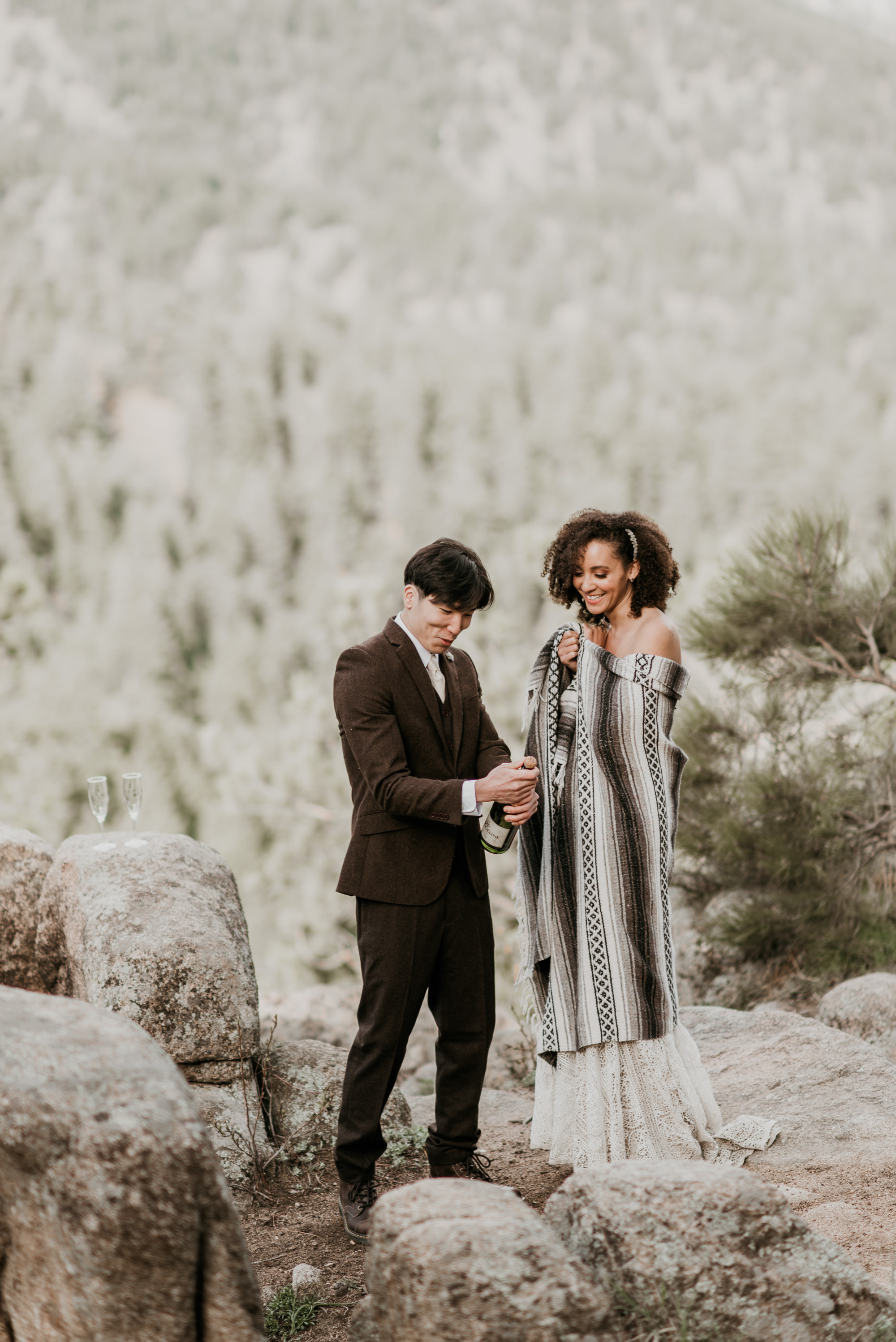 Enjoy champagne during your elopement but leave no trace!