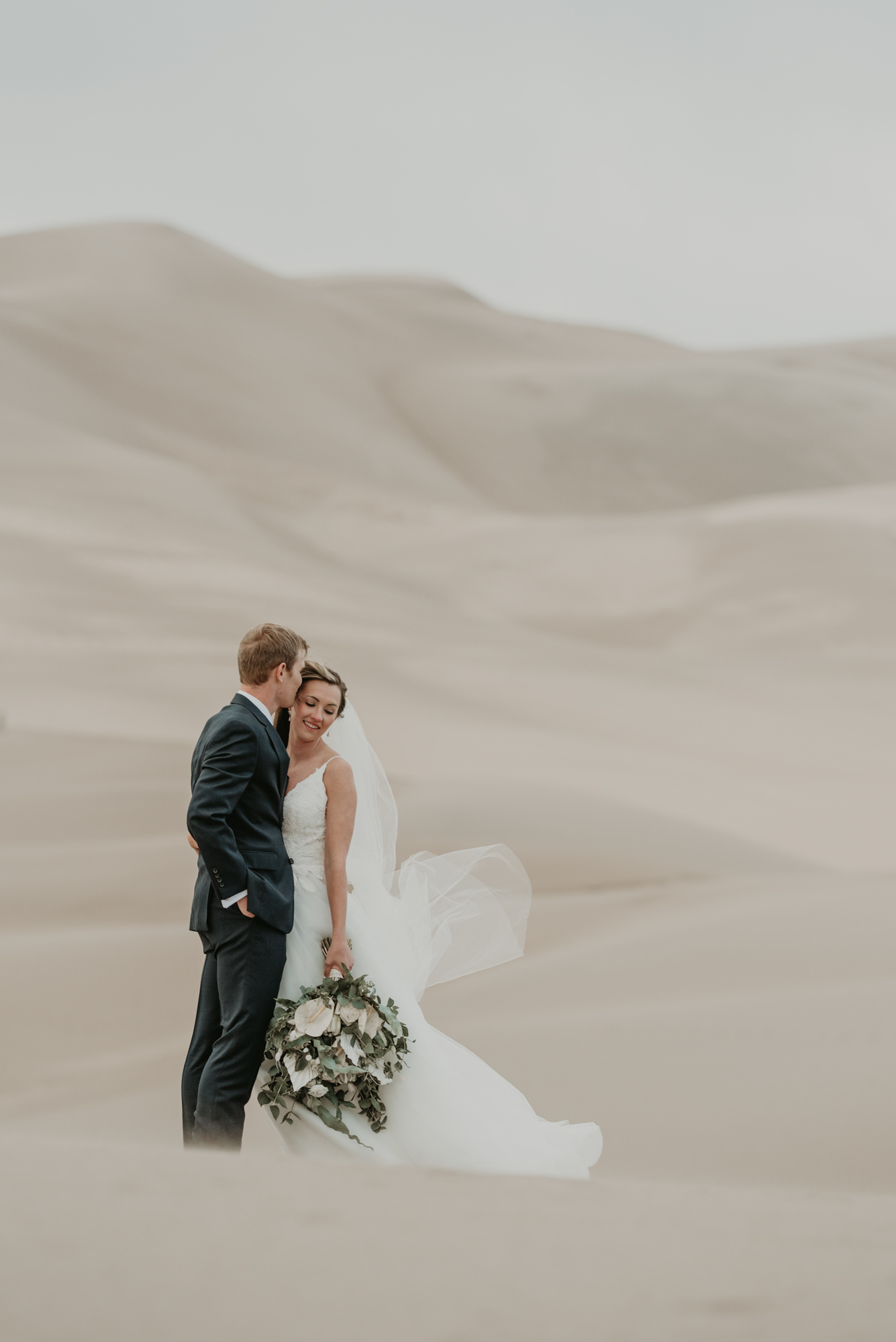 I love this simple sand dunes wedding.