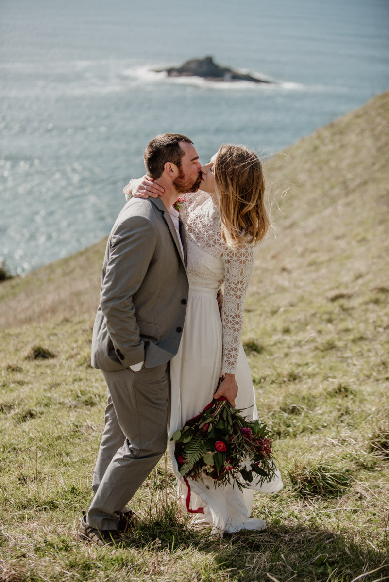 A sunny elopement on the Oregon Coast- God's Thumb in Lincoln City, Oregon.