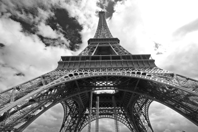 Eiffel Tower11 b&w2.jpg