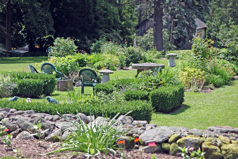 gardens3.jpg
