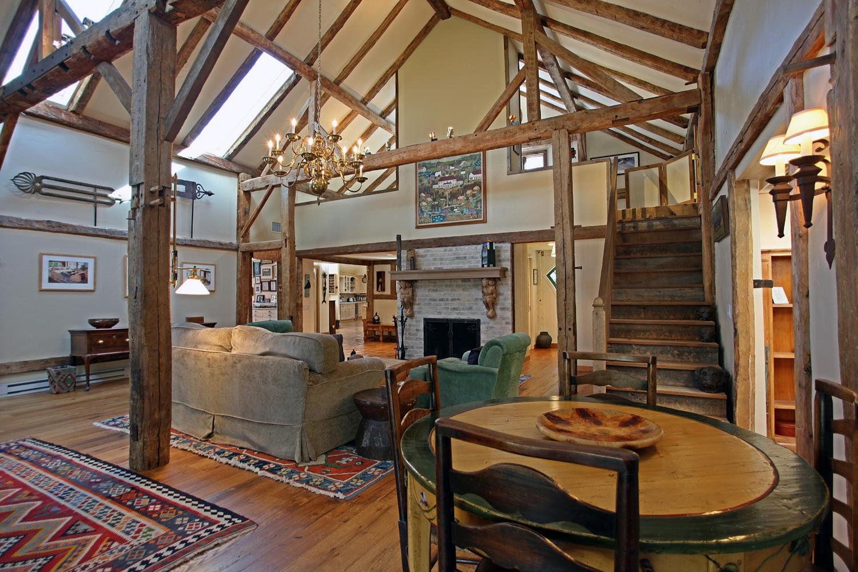 living room4copy.jpg