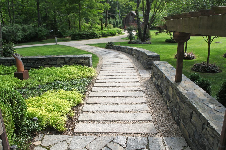walkway2.jpg