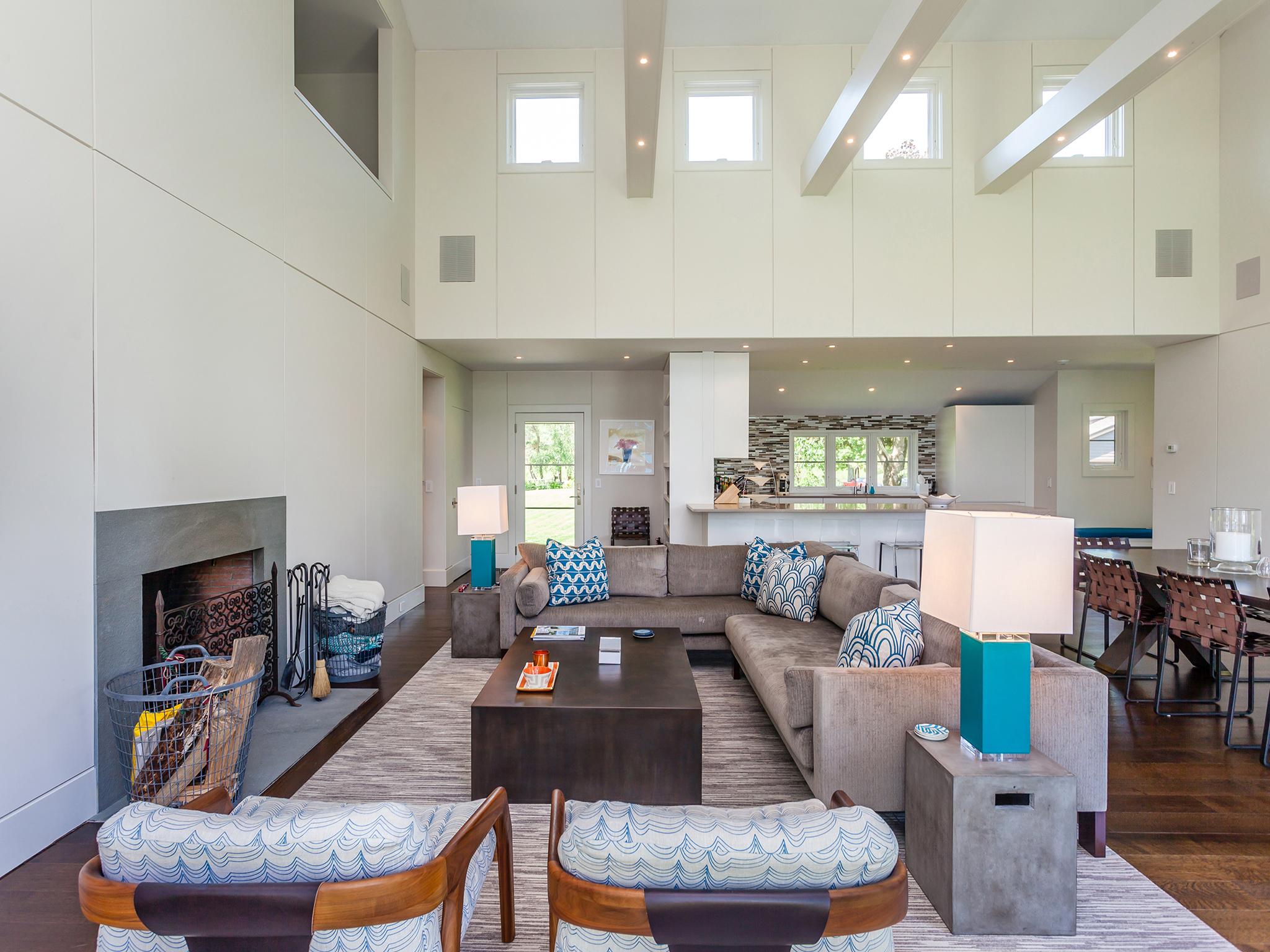 living room5_sm.jpg