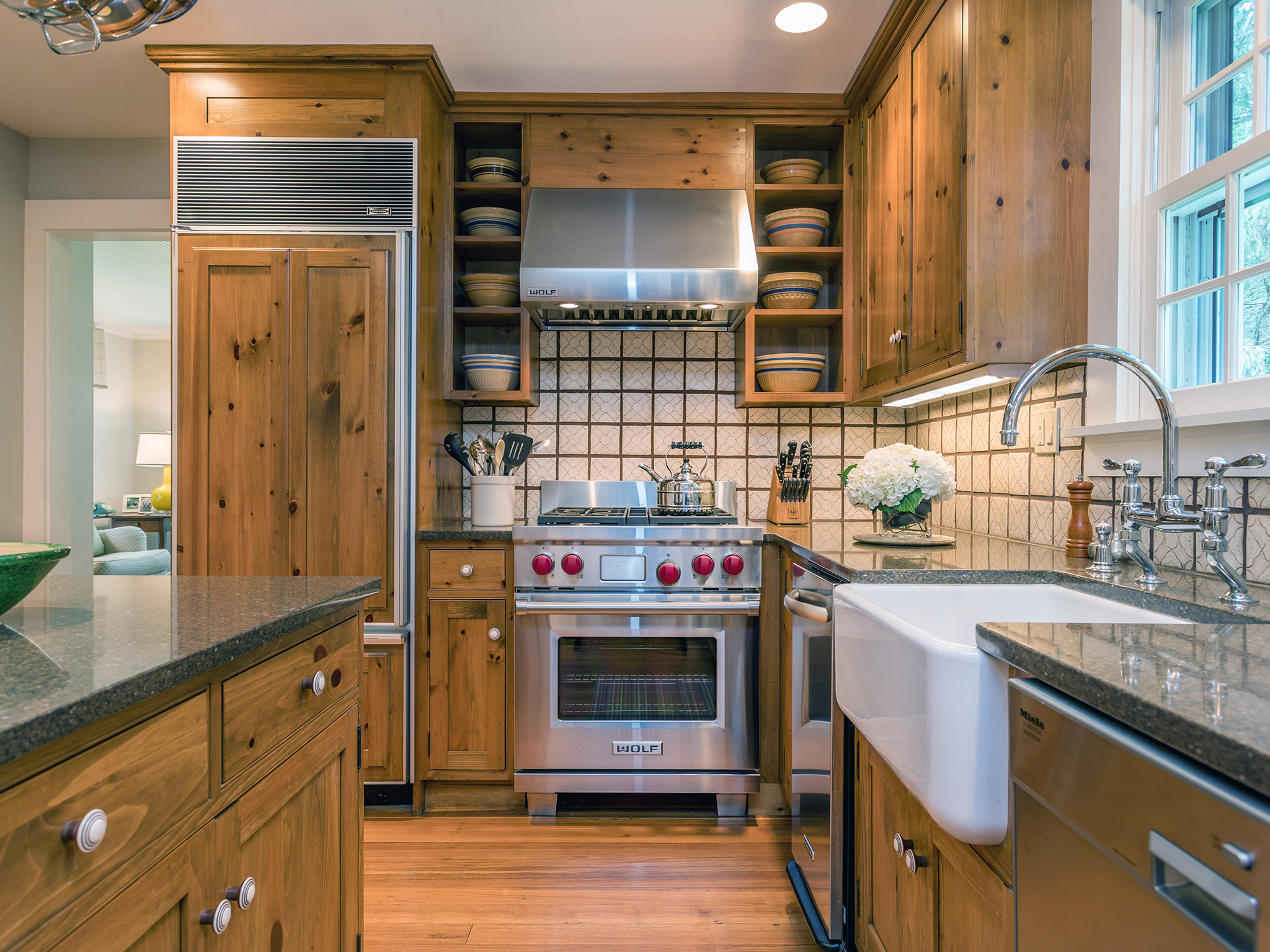 kitchen3_sm.jpg