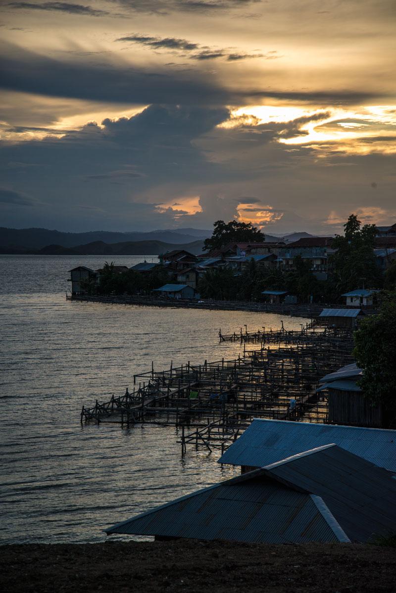 sunset-lake-Sentani-Papua-Indonesia-naomi-vandoren
