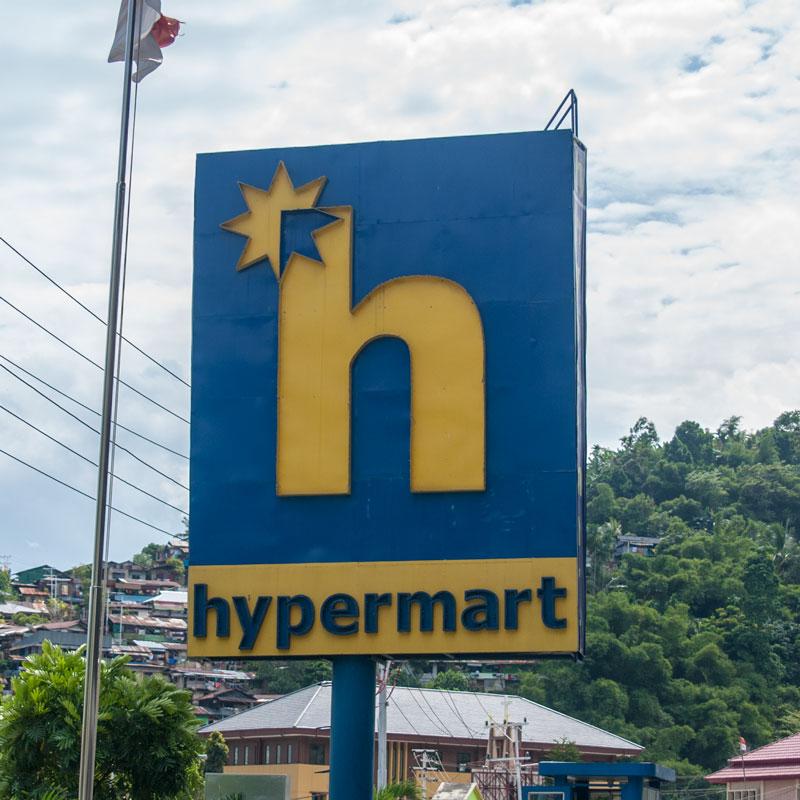 Hypermart-store-Jayapura-Papua-Indonesia-Naomi-VanDoren.jpg