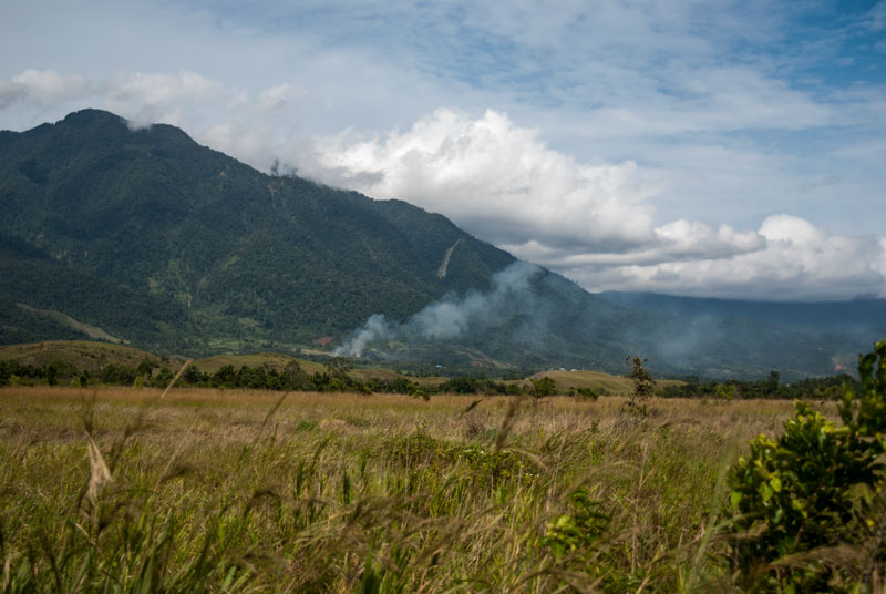 Cyclops-mountian-sentani-Papua-Indonesia-naomi-vandoren.jpg