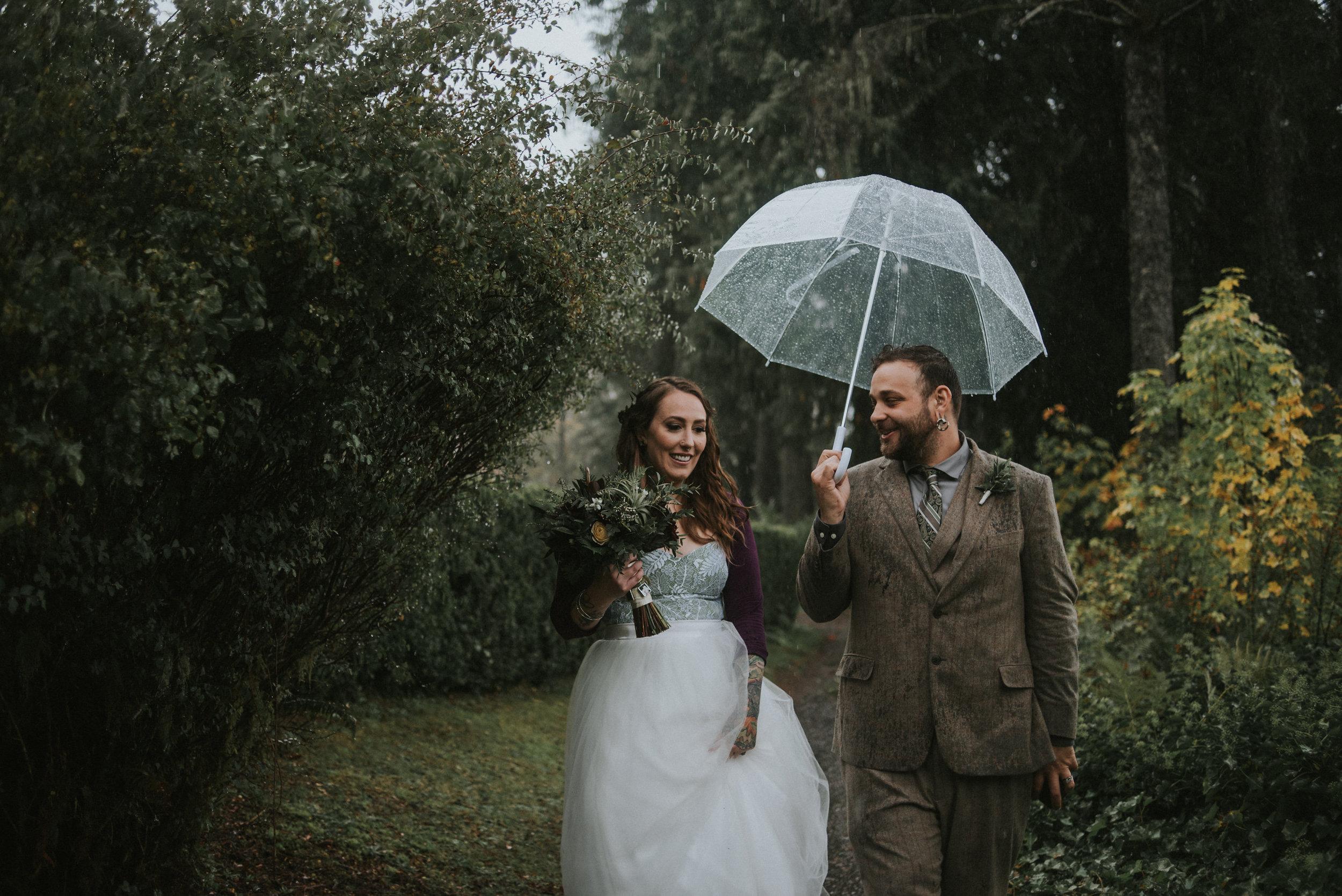 rainy day seattle wedding