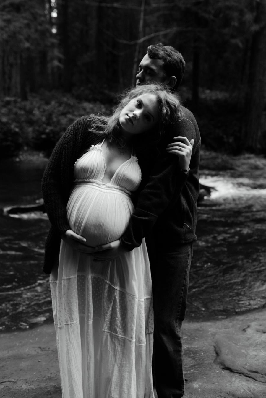 whatcome falls maternity photographer