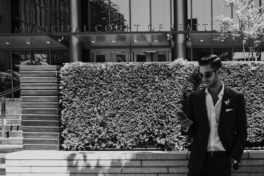 groom outside court house