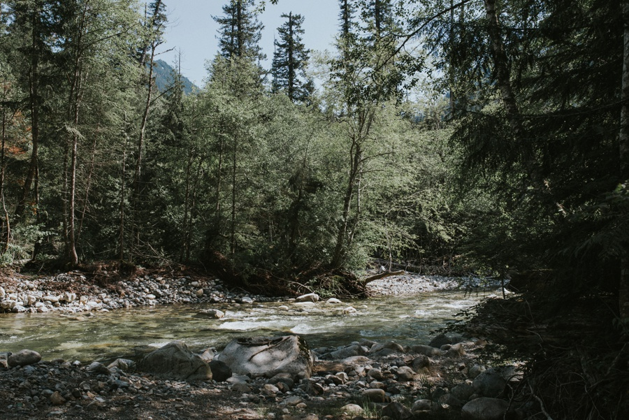 river in snoqualmie pass