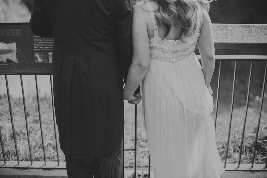 couple eloping in seattle, wa