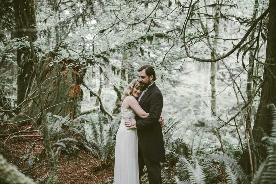 snoqualmie falls forest elopement photographer