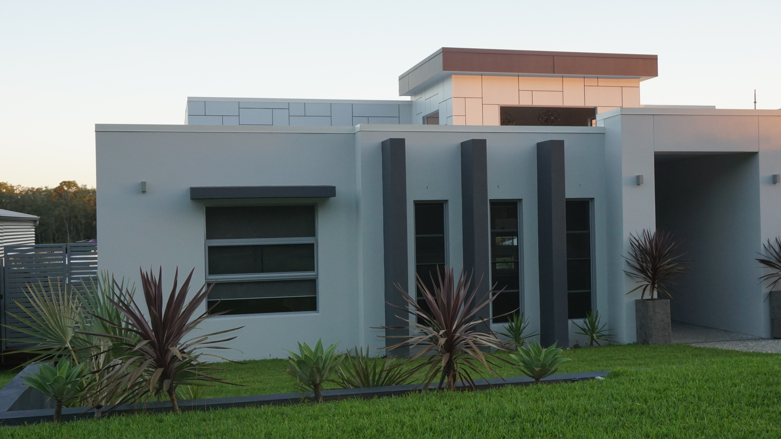 Large Gold Coast 5 bedroom home - 500m2 +