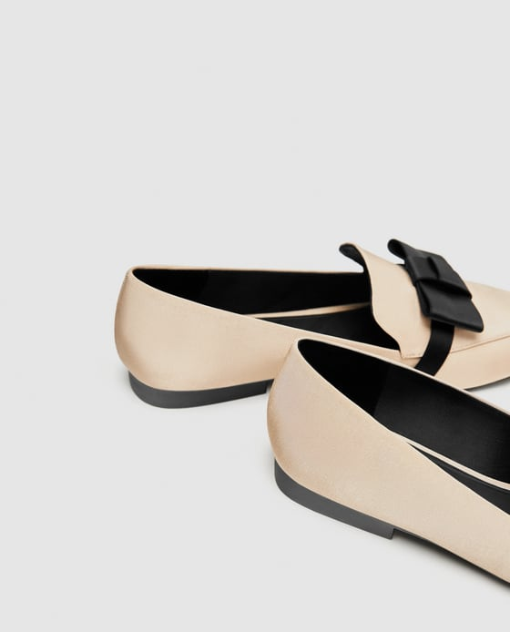 Nude Loafers w Bow