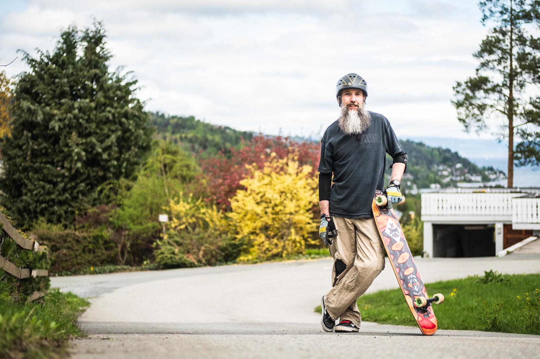 Cedric Cornell downhill skateboarding   © www.sebastiandahl.com Creative Commons BY-NC-SA Please ask before using.