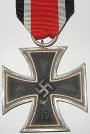Krzyż Żelazny  ( niem.   Eisernes Kreuz , EK)nadany według różnych źródeł od 2,3 mln do 3 mln razy