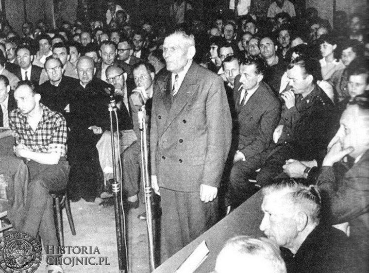 Zeznaje świadek B. Wiśniewski, aula Szkoły Postawowej nr 1 w Chojnicach, 2 czerwca 1964 roku (źródło:  historiachojnic.pl )