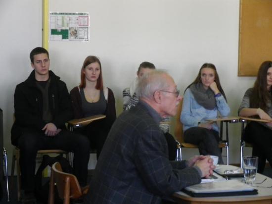 Syn Wernera Ventzkiego na jednym ze spotkań z młodzieżą szkolną (źródło:  www.gym-stjohann.at )