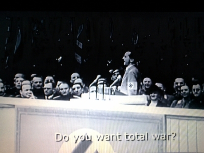 Przemówienie JosephaGoebbelsa w Pałacu Sportu 18 lutego 1943 roku (źródło:  http://youtu.be/S7mLTJY0yDs )
