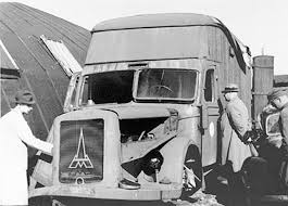 Standartenführer Walter Rauff's invention - Truck for mass killings of people with the use of exhaust (source:    jewishvirtuallibrary.org   )